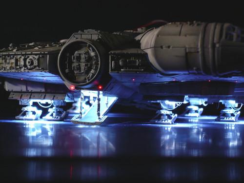 144ファルコン 電飾 着陸2.jpg