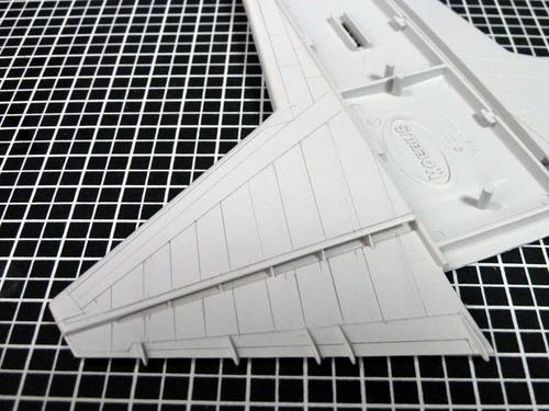主翼のスジ彫り.jpg
