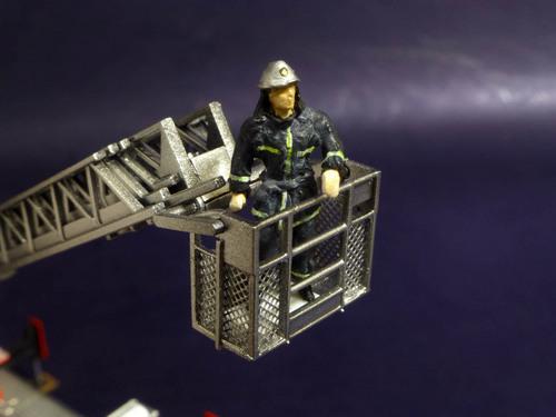消防士アップ.jpg