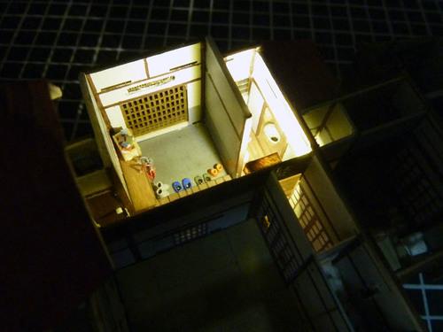 玄関とトイレ 点灯.jpg
