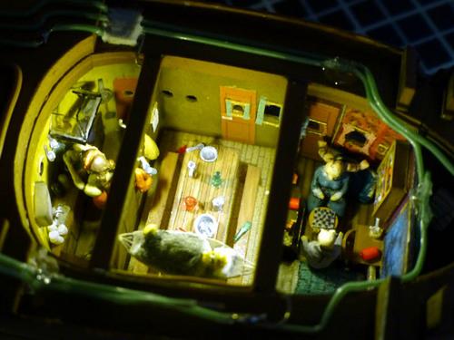 船室の電飾.jpg