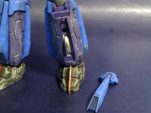 電池は左足.jpg